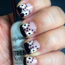 Flower/Polkadot Nail Art
