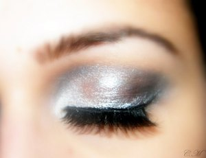 Urban decay eyeshadow primer. Nyx jumbo eyeshadow pencil in Cottage cheese. 42 Color Double Stack Shimmer Shadow & Blush the grey colours (Coastal Scents) Cover girl black khol pencil Mascara any kind I used Covergirl and fake lashes :D enjoy!    Mac pai