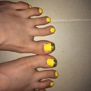 Yellow toes!