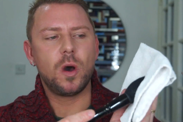 how to clean wayne goss brushes