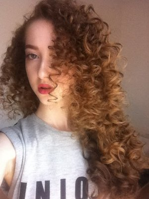 Curly hair without heat