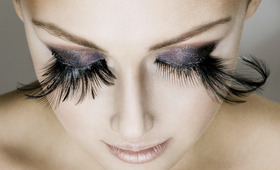 Loathe or Love: Feather Eye Lashes