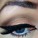 Orangey gold and brown smokey eye