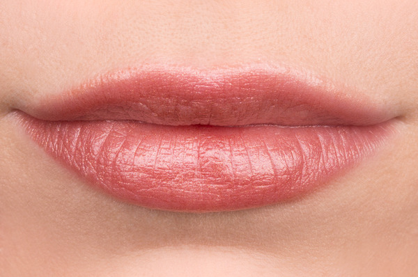 Pretty and Polished: The Rose Gold Lipstick Review