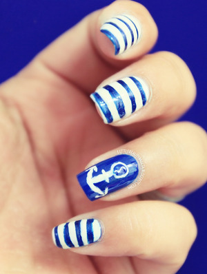 more photos here: http://littlebeautybagcta.blogspot.com/2013/06/nautical-nails.html
