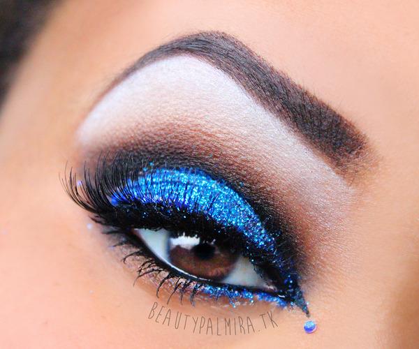 how to keep glitter eyeshadow on