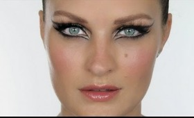 Jennifer Lopez  on Jennifer Lopez Make Up