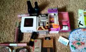 BIG MAKEUP GIVEAWAY FOR MY SUBSCRIBERS!