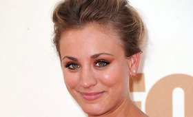 Kaley Cuoco Beauty, Emmy Awards 2011