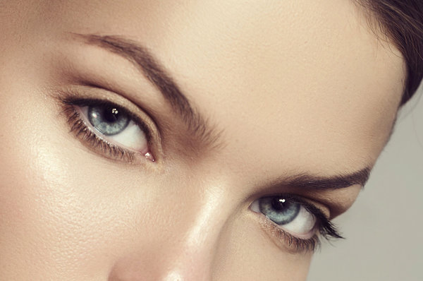 Waxing vs. Threading: What's the Best Way to Tame Your Brows?