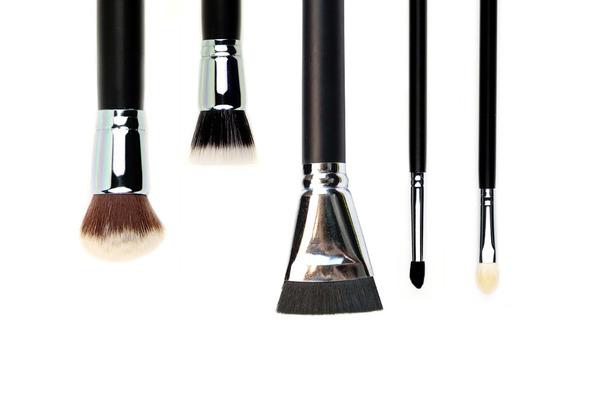 5 Makeup Brushes That Make Application Easier