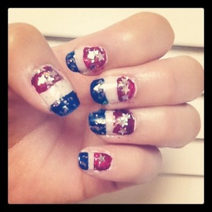 My Independence Day Nails!!  #starspangledbanner #america #usa http://runwayorthehighway.wordpress.com/2012/07/03/happy-independence-day-independence-nail-art/