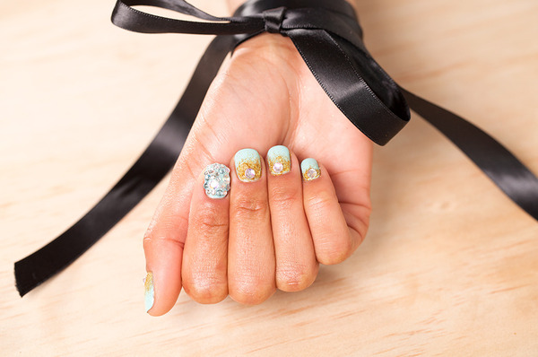 Get The Look: Gilded Tiffany Nails for Prom!