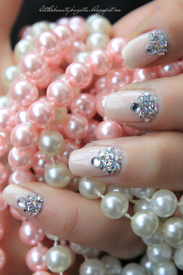 Snow Queen Nails | Elisa U.\'s (elisauc) Photo | Beautylish