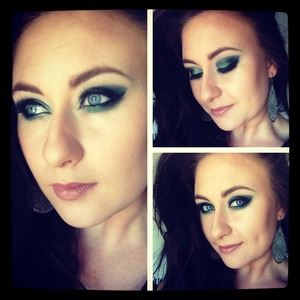 Green smoky eye look