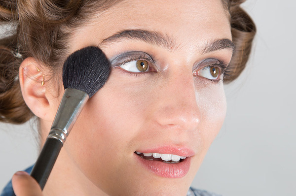 Four Ways to Deal with Makeup Fallout