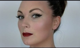 Christmas - liner and red velvet lip tutorial
