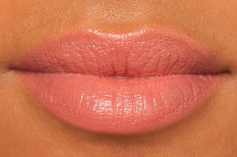 Color Your Summer! The Coral-Poppy Lipstick Review