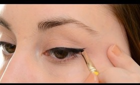 How To Create A Cat Eye With Gel Eye Liner