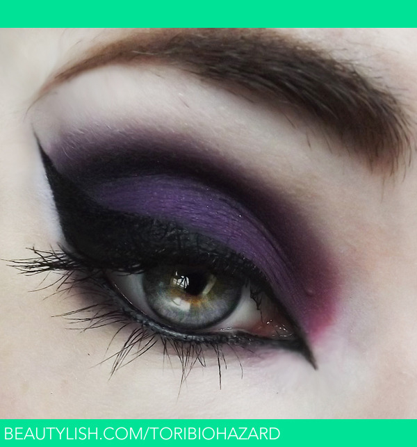Witch eye makeup with glasses