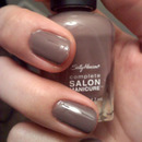 "Sally Hansen ""Commander in Chic"""