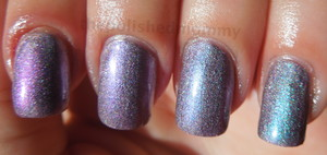more pics and full details:http://www.thepolishedmommy.com/2012/08/duo-holo.html