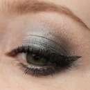 Sleek Storm palette look