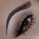 Simple with winged liner