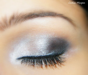 Mac painterly paint pot (primer) Nyx jumbo eyeshadow pencil in cottage cheese Using Pure Fusion Mineral Eyeshadows in Ice Queen inner corner Bast in the middle Midnight outer corner Black eyeliner Black liquid eyeliner black mascara