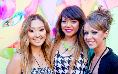 YouTube gurus pose at Beautylish IMATS LA event