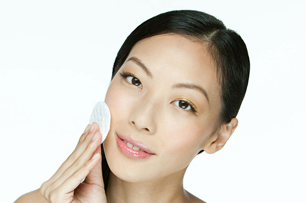 Six Ways to Cleanse, Treat, and Prevent Acne