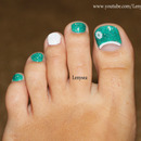 Toe Nail Design for Beginners: Teal and White