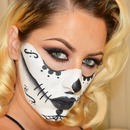 Sugar Skull Mask Halloween Look