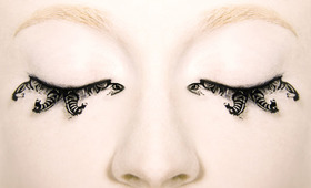 Beauty Preview: Paper Lashes!