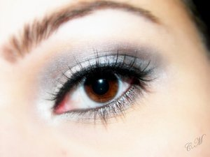 Urban decay eyeshadow primer.