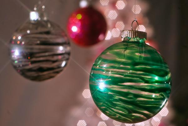 Christmas Ornaments Nail Polish : Diy lacquered holiday ornaments beautylish