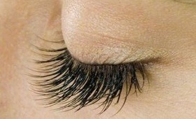 HOW TO: MAKE THE MOST OF YOUR LASHES