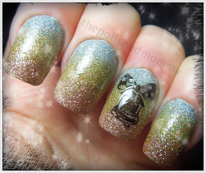 12 Days of Christmas: Christmas Glitter.. http://www.thepolishedmommy.com/2012/12/sleigh-bells-ring.html  Merry Christmas everyone!!!