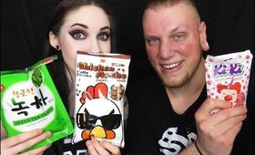 Munchpak Unboxing with Andrew! Snacks from Around the World! #5