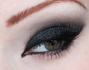 A darker, more sexy new years eye. Find me on Facebook: www.facebook.com/madeulookbylex A tutorial for this look will be posted when it is up.