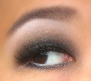 regular smokey eye.