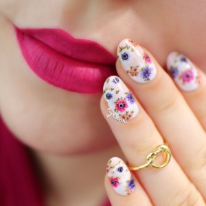 "Kat Von D ""Bauhau5"" Everlasting Liquid Lipstick, and my latest floral nails