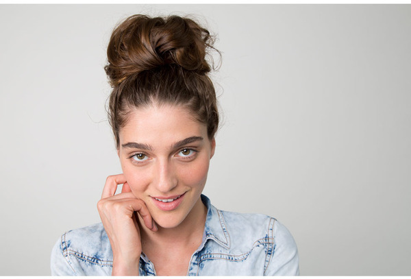 The Easiest Messy Bun in the World!