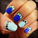 Mani of the week. Blue + dots