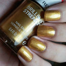 "Revlon Brilliant Strength in ""Hypnotize"""