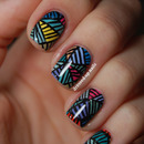 Freehand geometric nails