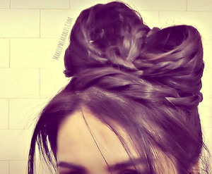 You can find my hair tutorial for this Hair Bow here.  :) http://youtu.be/L8mJi974s8c