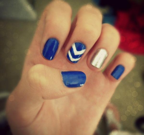 Dark Blue Amp Silver Chevron Nails Emily L S Emyyy