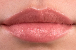 Peep Show: The Pinky-Nude Lipstick Review