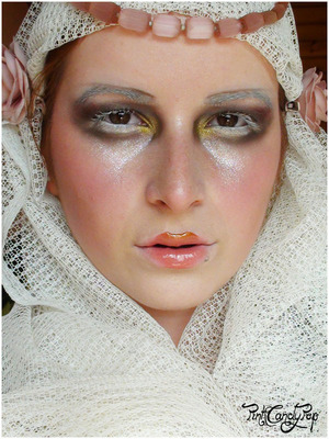 Galliano 2009 Fall RTW runway make up
